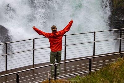 Fosseråsa norges første nasjonale turiststi i geiranger