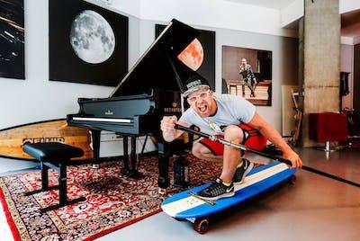 Pianist Aksel Kolstad på sunnmørsturne september 2020